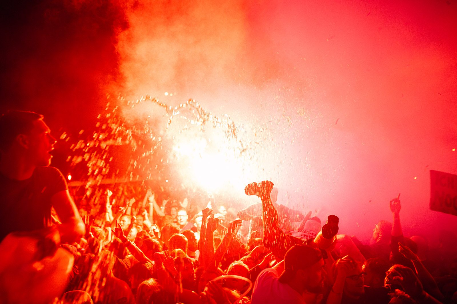 Pfeffi crowd
