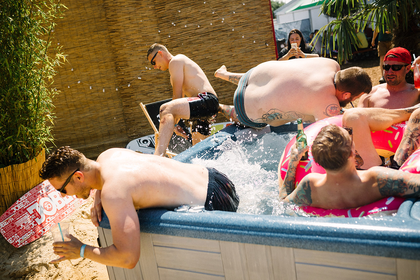 Deichbrand Poolparty